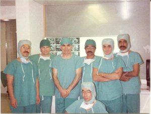 """24 Ekim 1991'de """"Nöroşirürji Uzmanı"""" olan Dr. Bozbuğa, ihtisası sırasında 1988 ve 1989 yıllarında Zürih Üniversite Hastanesi Nöroşirürji Kürsüsü'nde Prof. Dr. M. Gazi Yaşargil'in yanında klinik ve mikronöroşirürji laboratuvarında çalışma olanağını kazanmış ve """"Mikronöroşirürji Eğitimi"""" almıştır."""